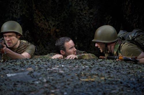 Oorlog, Bellevue Lunchtheater / Daniël Samkalden / De Pooiers